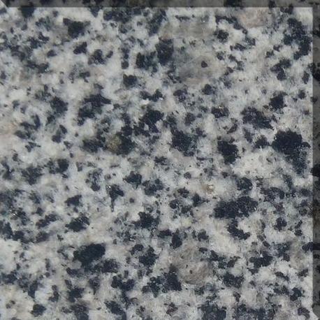 Ваза. Покостовский гранит Кизел Памятник Скала с колотыми гранями Альметьевск